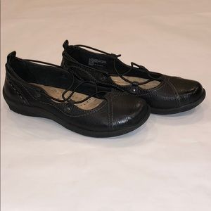 Earth Origins Leather Flat-Size 6.5